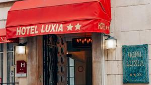 Paříž - letecký prodloužený víkend - hotel Luxia