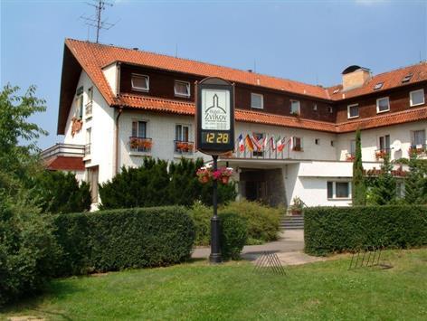 hotel Zvíkov***, přímo u přehrady