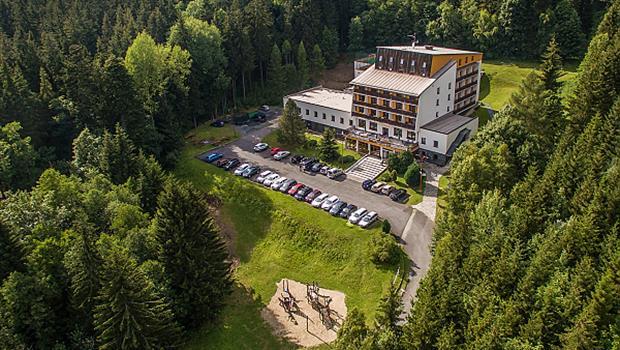 Lyžování pod Pradědem,hotel Kamzík