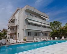 Hotel Holiday s bazénem GAV ***