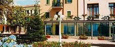 Park Hotel Jolanda s bazénem CH - San Zeno di Montana / Lago di Garda