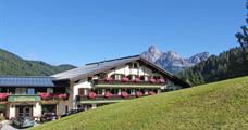 Hotel Alpenkrone s bazénem – Filzmoos léto