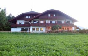 Hotel Krondlhof  s bazénem PIG- Riscone
