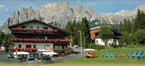 Hotel Barisetti x Sport Cortina Př -  Cortina d´Ampezzo