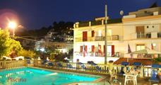 Hotel Pineta s bazénem PIG - San Menaio
