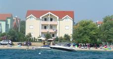 Apartmány DALMACIJA s bazénem - Vodice/ Srima