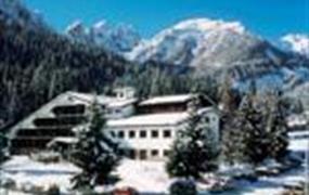 Hotel San Giusto s bazénem PIG- Falcade