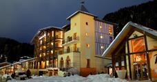 Hotel Design Oberosler s bazénem PIG- Madonna di Campiglio