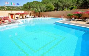 Hotel villaggio Cala Bitta s bazénem DI- Baia Sardinia