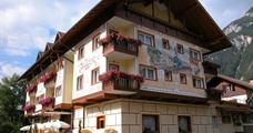 Hotel Bellaria s bazénem PIG– Predazzo
