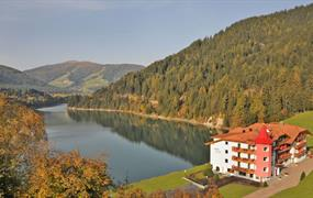 Hotel Seehof s bazénem PIG  – Monguelfo Tesido
