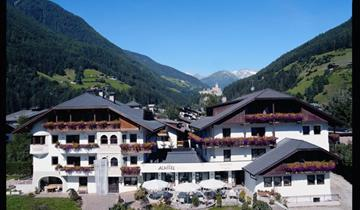 Hotel Stocker s bazénem PIG– Campo Tures
