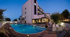 Hotel Ferretti Beach s bazénem PIG– Rimini Marina Centro