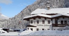 Gasthaus Falbesoner**, Neustift im Stubai
