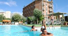Hotel Family Marina Beach s bazénem PIG- Lido Adriano
