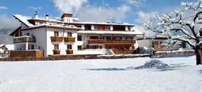 Hotel Alp Cron Moarhof s bazénem PIG - Valdaora /Olang