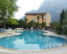 Hotel Bristol s bazénem MH – Riva del Garda ***