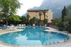 Hotel Bristol s bazénem MH – Riva del Garda