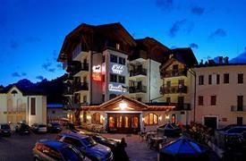 Hotel Cavallino Lovely s bazénem 4* léto