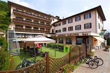 Hotel Carlone 3* s bazénem  léto