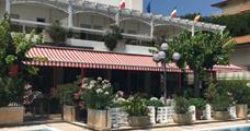 Hotel De Amicis s bazénem PR – Riccione