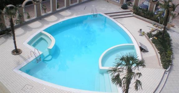 Grand hotel Osman 5* s bazénem  - Salerno