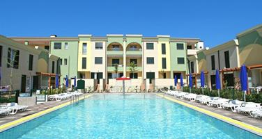 Villaggio Le Farnie s bazénem IT