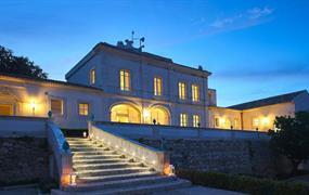 Borgo di Luce I Monasteri Golf Resort 3 noci a 2x golf