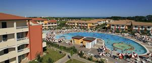 Villaggio Ai Pini 3* s bazénem LAM - CAORLE ALTANEA