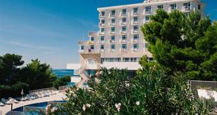 Hotel Labineca s bazénem E – Gradac