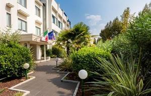 Hotel Alfieri 3* s bazénem - PIG Sirmione