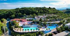 Villaggio Mirage s bazénem PIG / Fermo u San Benedetta