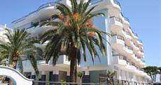 Rezidence Holiday Randez-Vous s bazénem CER- Pineto