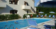 Rezidenční komplex Med Resort s bazénem CER– Pineto