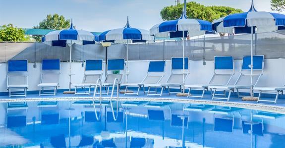 Hotel Ambassador ****s bazénem PŘ - Porto Santa Margherita
