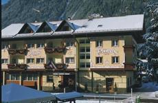 Hotel Bellaria S - Predazzo
