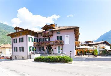 Hotel Alp Hotel Dolomiti- Dimaro