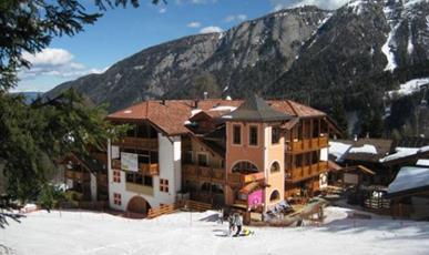 Hotel Dal Bracconiere - Folgarida ***